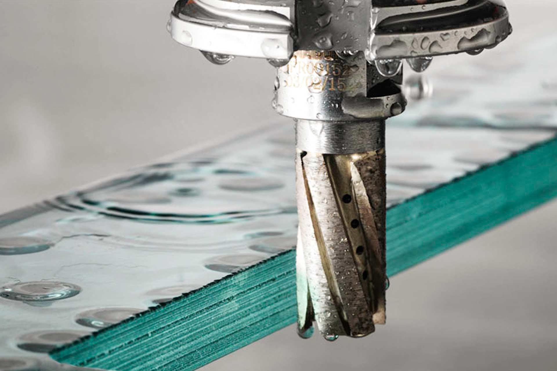 Шлифовка кромки стекла